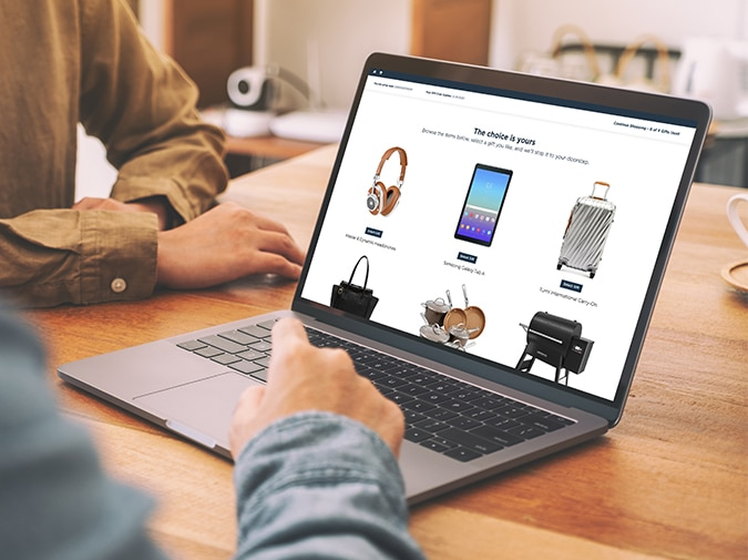 Two people shopping quality products on Virtual Gifting platform